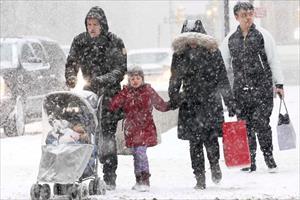 Viễn Đông Nga lạnh kỷ lục, 2 người chết cóng khi rời xe