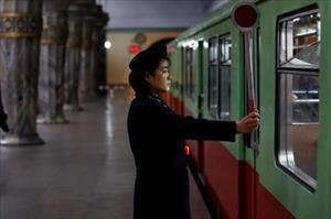 Một ngày trên tàu điện ngầm sâu nhất thế giới của Triều Tiên