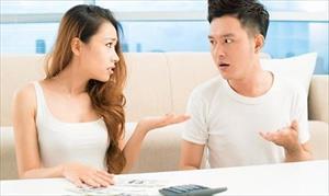 """Lấy chồng 10 năm, tôi chưa biết """"mặt mũi"""" tiền lương của chồng"""