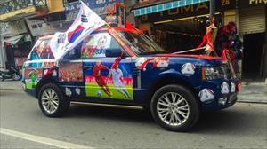 Hình ảnh nhiều mẫu xe được trang trí cổ vũ đội tuyển Việt Nam