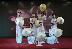 """Tin ảnh: Chương trình giao lưu văn hóa, nghệ thuật Việt - Nga """"Suối nguồn tình bạn"""""""