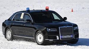 Cận vệ của Tổng thống Putin trổ tài đua siêu xe bọc thép trên tuyết