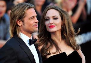 Nóng: Angelina Jolie - Brad Pitt sà vào lòng nhau khi gặp lại, nhiều khả năng tái hợp