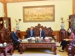 Đại sứ Ngô Đức Mạnh tiếp Phó Thủ tướng, Bộ trưởng Đầu tư và Đổi mới tỉnh Moscow