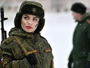 Cận cảnh những nữ quân nhân xinh đẹp và rắn rỏi các nước trên thế giới