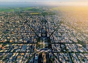 Choáng ngợp vẻ đẹp Paris, New Delhi, Dubai… từ trên cao