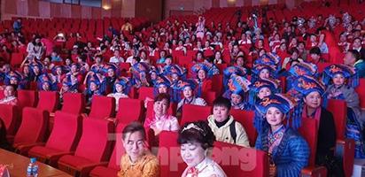 Dừng toàn bộ hoạt động văn hoá cho 600 khách Trung Quốc ở cung cá heo Quảng Ninh