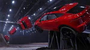 Jaguar E-Pace ra mắt bằng pha nhào lộn ngoạn mục
