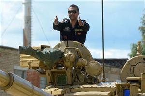 Hình ảnh ấn tượng cuộc thi lái xe tăng và bắn hạ mục tiêu ở Nga