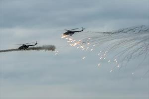Xem xe tăng, trực thăng Nga