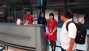 Kỷ luật nghiêm nhân viên Vietjet xé vé khách trễ chuyến