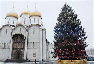Điện Kremlin trang hoàng cây thông Năm mới của đất nước