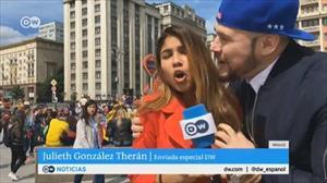 [VIDEO] Nữ phóng viên World Cup xinh đẹp bị sàm sỡ ngay trong lúc dẫn trực tiếp