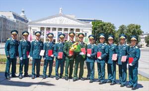 Tự hào màu áo sỹ quan Không quân Việt Nam tại Nga