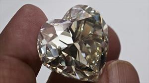 Kim cương hóa ra không hiếm, phát hiện có tới