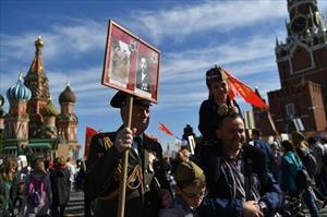 Các nhóm bí mật âm mưu viết lại lịch sử Nga