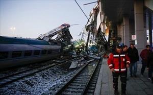 Tai nạn tàu cao tốc tại Thổ Nhĩ Kỳ làm 9 người chết