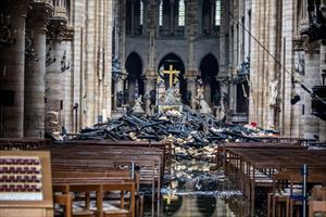 Toàn bộ tranh trong Nhà thờ Đức Bà không bị hủy hoại
