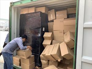 Hàng ngàn hộp sữa, váng sữa, dầu gội của Pháp nhập lậu về cảng Cát Lái