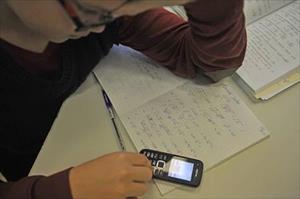Nga siết chặt việc sử dụng điện thoại trong trường học