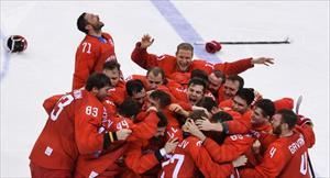 Đội tuyển khúc côn cầu Nga đánh bại đội Đức và giành huy chương vàng của Thế vận hội