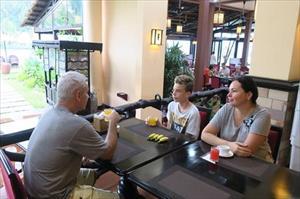 Du khách Nga đến Mũi Né như về nhà