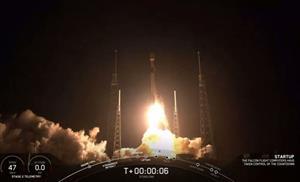 SpaceX phóng 60 vệ tinh đầu tiên cung cấp Internet tốc độ cao, giá rẻ