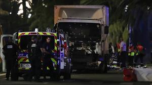 Trắng đêm tìm người Việt trong vụ khủng bố ở Pháp