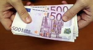 Bí ẩn vụ xả trôi hàng chục nghìn euro xuống bồn cầu