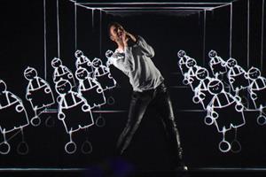 Ca sỹ Thụy Điển sững sờ vì đoạt giải nhất cuộc thi hát Eurovision