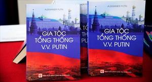 Gia tộc Tổng thống Putin bằng tiếng Việt