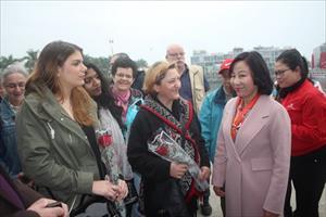 """Sáng mồng 1 Tết, hơn 1.600 khách quốc tế """"xông đất"""" vịnh Hạ Long"""