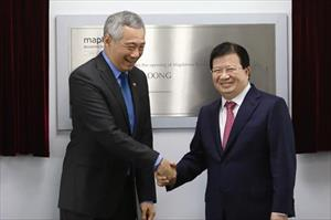 Chùm ảnh Thủ tướng Lý Hiển Long thân thiện với người dân VN