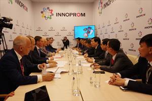 Đẩy mạnh hợp tác kinh tế - thương mại giữa Việt Nam – LB Nga