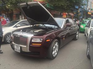 """Rolls-Royce Ghost Series II 25 tỷ """"chết đứng"""" tại Hà Nội"""