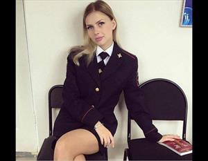 Chiêm ngưỡng vẻ đẹp gợi cảm của những nữ cảnh sát Nga