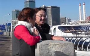Ngỡ ngàng Nhà thơ TBT Hồng Thanh Quang hóa thân thành chàng trai yêu cuồng si bên dòng sông Matxcova
