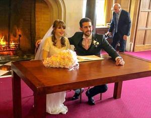 Dành cả đêm tân hôn trong bệnh viện, cặp đôi quyết cưới
