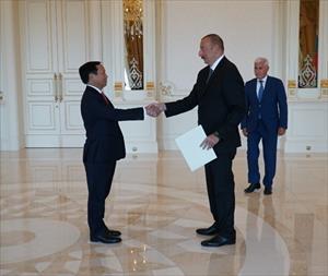 Đại sứ Việt Nam Ngô Đức Mạnh trình quốc thư lên Tổng thống Azerbaijan