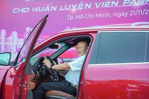 HLV Park Hang Seo được VinFast tặng xe LUX SA2.0