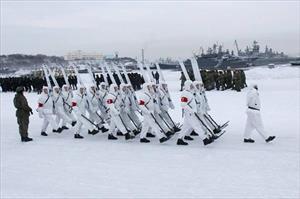 Ảnh: Quân nhân Nga đạp tuyết luyện tập diễu binh
