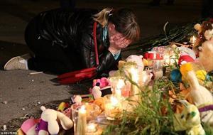 [Photo] Nước mắt rơi sau vụ tấn công đẫm máu ở Crimea