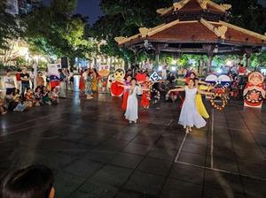 Sinh viên, giảng viên Việt gắn kết người dân Hà Nội với nước Nga