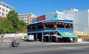 Khánh Hòa chỉ đạo tổng kiểm tra các nhà hàng sau 2 vụ