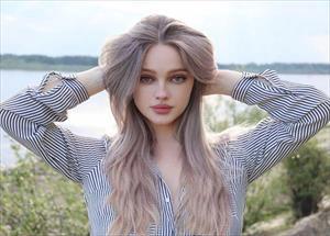 Cô gái Nga có khuôn miệng xinh như hoa khiến nhiều người phải ngẩn ngơ