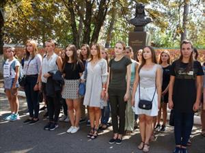 Những cô gái xinh đẹp đầu tiên thi tuyển làm phi công quân sự tại Nga