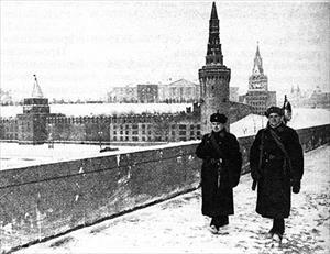 """Kỳ tích của người Nga: """"Phép lạ"""" biến Điện Kremlin trở nên """"tàng hình"""" trước đòn bắn phá của quân Đức"""