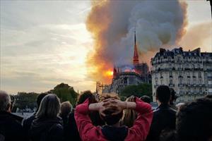 Vụ cháy Nhà thờ Đức Bà và nỗi đau nước Pháp