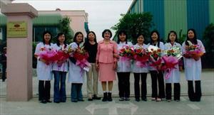 Phát minh của người phụ nữ Việt Nam giúp bảo vệ tính mạng khỏi mối nguy của đạn và lửa
