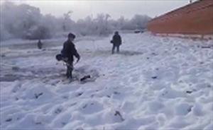 Video: Những kiểu dọn tuyết không giống ai của Quân đội Nga